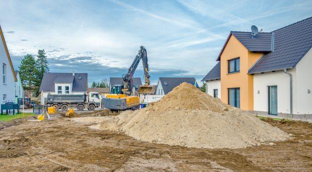 Erdaushub, Baustelle in Neubaugebiet